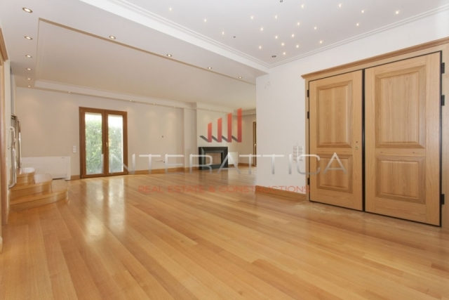 (For Sale) Residential Detached house || Athens North/Kifissia - 500 Sq.m, 6 Bedrooms, 1.350.000€